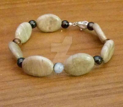 Marble and Black agate stone by Laihi