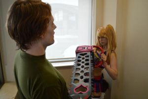 Juliet Starling vs Zombie by ArilaInsanityCosplay