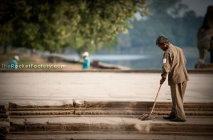 Sweeping guy 2 by frankrizzo
