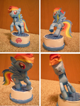 Rainbow Dash Papercraft by DuckHunter111