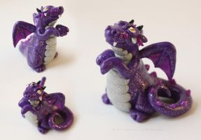 Monty, the little purple dragon by LitefootsLilBestiary