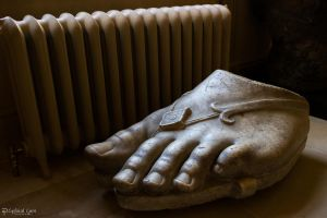Chatsworth House - Big Foot by LordMajestros