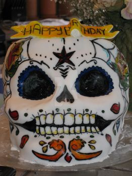Sugar Skull Cake by heartthedead
