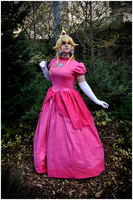 Princess Peach by ShinraiFaith