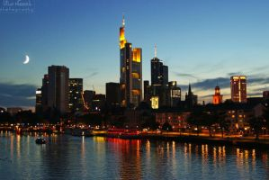 Frankfurt at night by Juelej