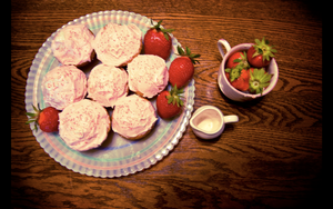 strawberrycupcakes. by DntFearThReapr