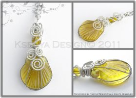 Yellow Seashell by KsenyaDesign