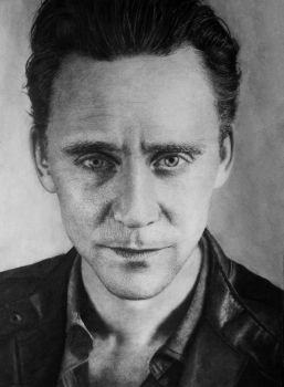 Tom Hiddleston by inal67