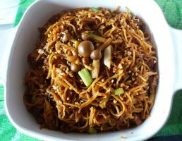 Fried Chinese Noodles by plainordinary1