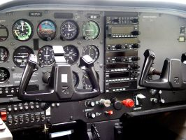 Cessna Cockpit by aurora900