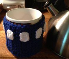 Crocheted Tardis inspired cozy by Drgibbs