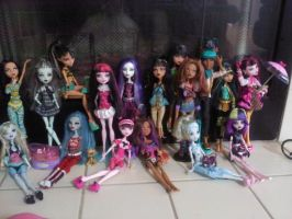 monster high doll collection by clawdeenwolf45