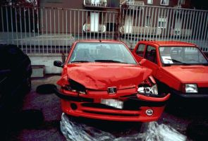 Peugeot 106 crashed by waste84
