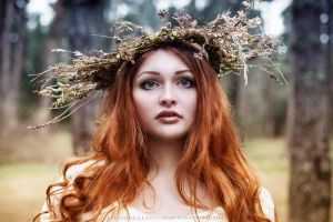 Dryad of Fall by LienSkullova