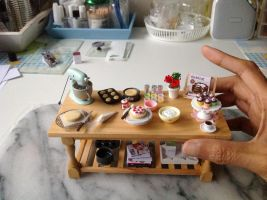 1:12 scale baking prep table by Almadejonge