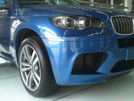 BMW X6 M front angle by DrawingForLiving