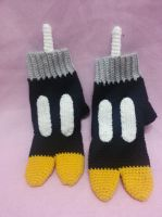 Bobomb gloves by gardensofmay
