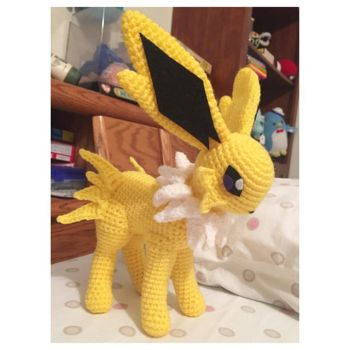 Jolteon by craftyhanako