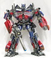 ROTF Optimus Prime with Gun by xenethis
