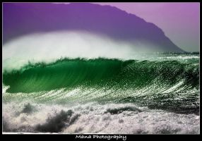 Wave of Green by manaphoto