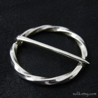 Silver medieval round pin by Sulislaw
