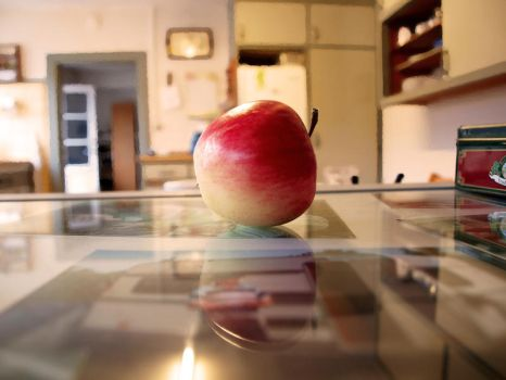 Perception of an Apple by L33tbl0nde
