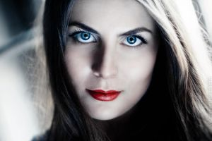 red and blue by sl-photographer