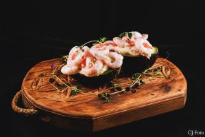 avocado with chivemayonnaise and shrimps by CJacobssonFoto