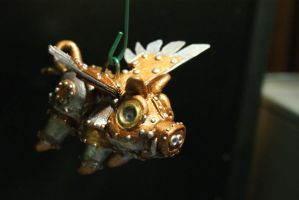 Steam punk flying pig by MunkyKnuts