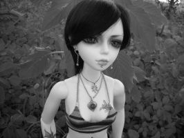 Lenore in Black and White by StonerKitty