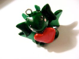 Green Dragon Heart by mAd-ArIsToCrAt