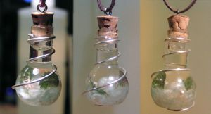 Magic Vial - Clear Seas II Pendant by Izile