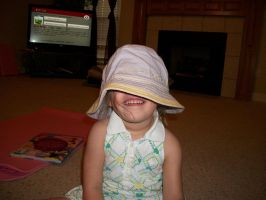 Isabella and my hat 1 by Alianna013