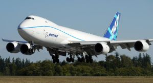 Boeing 747-8F Landing by shelbs2