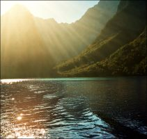 Last rays on the lake by jup3nep