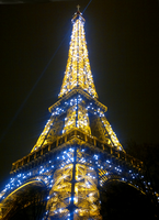 Eiffel Tower in all her glory by sensum