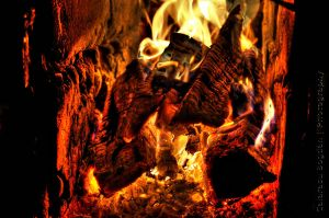 Burning Wood HDR by HDRenesys