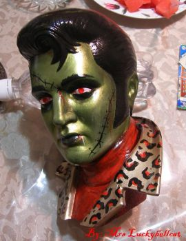 ZOMBIE ELVIS by luckyhellcat