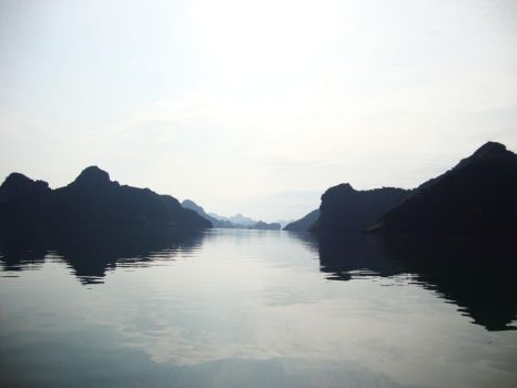 Halong Bay Again 2 by prudentia