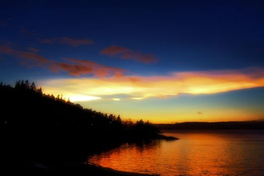Sunset over Hvervenbukta, Oslo, Norway by Son-of-Incogneato