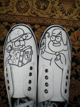 Mabel and Dipper shoes [lineart] by robbeman