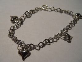 Hearts bracelet by AgtBauer24