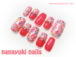 Colorful Leopard Heart nailart by Nanayuki
