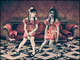 twin_doll by DNCK