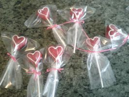Valentines Cake Pops by LovelyLittleLemon
