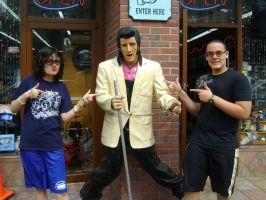 me and my brother with elvis by Falloutdaylenne