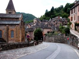 Conques by PetitPelerin