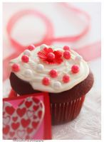 Valentine Cupcake by theresahelmer