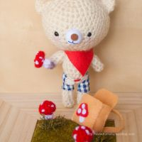 Amigurumi crochet pattern: bear and mushrooms by kumakumashop