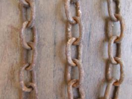 Rusted Chains by karmasach